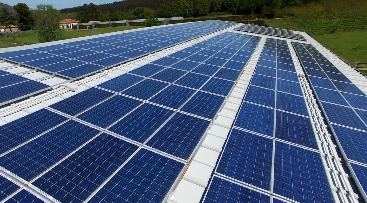 Fotovoltaica coplanar tejado panel sandwich